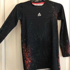 Adidas long sleeve black tech fit size L(junior)